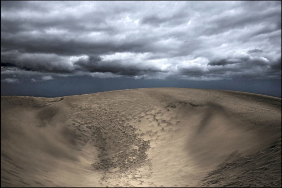 ErikHolmgaard_Heavy clouds over the dune